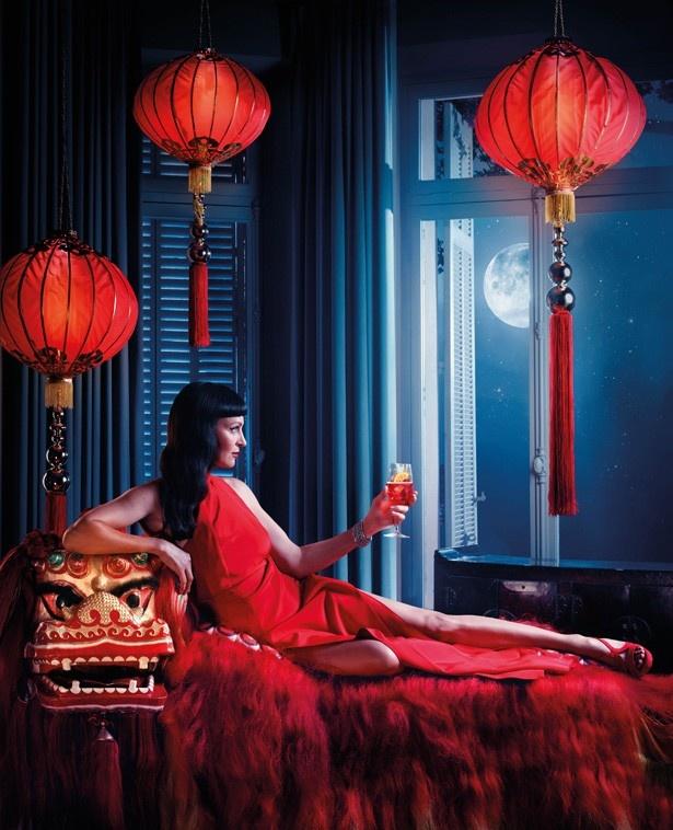 ユマ・サーマンの妖艶な広告写真