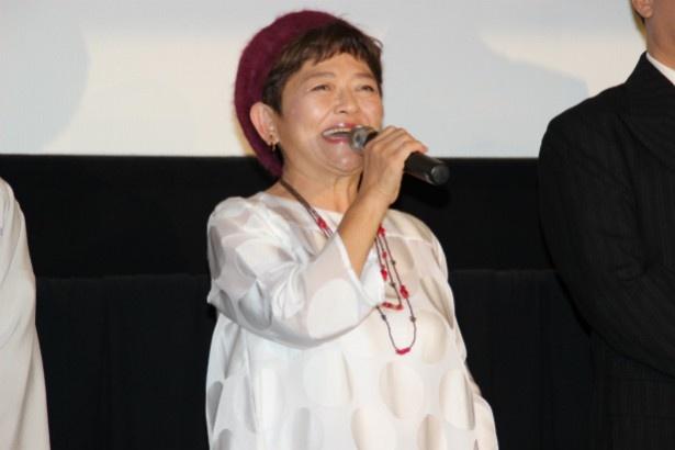 隣人・珠子役の藤田弓子