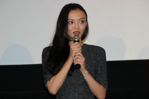 サヤの友人・エリカ役の福島リラ