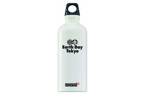 スイス初のSIGGブランドもアースデイとコラボ。ボトル(2980円)