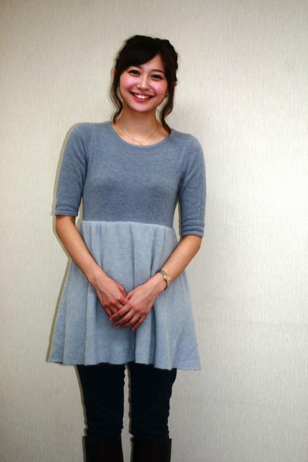 【写真を見る】久冨アナは「食べることが大好きなんです!」と満面の笑みで趣味を明かす