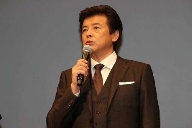 仙台市街に川島医院を開く夫・貞一役の三浦友和