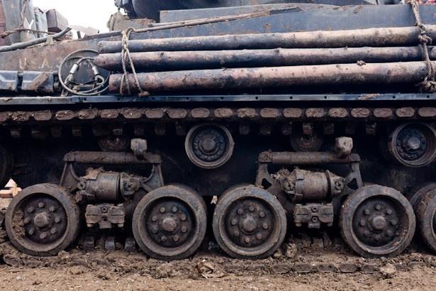この戦車から発せられる重低音も劇場で体感してほしい