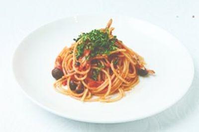 ゴルゴンゾーラときのこのトマトソーススパゲティーなど軽食も豊富(BITTER SWEETS BUFFET)