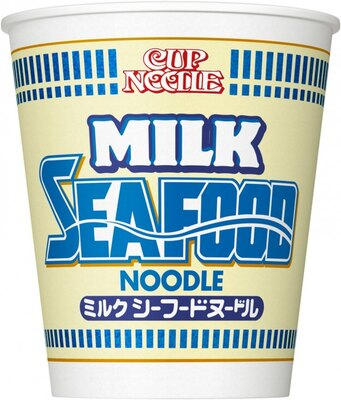 【写真を見る】寒い冬のマスト商品!濃厚ミルクスープとシーフードがマッチした「カップヌードルミルク シーフードヌードル」(税抜170円)
