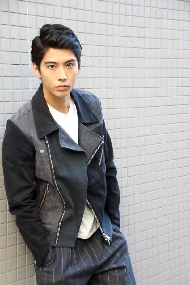 現在、TBS系金10ドラマ「Nのために」にキーマン・安藤望役で出演中の賀来