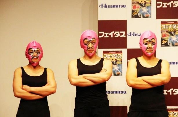 久光製薬「フェイタスZジクサス」新CM発表会で香取慎吾と対戦した(左から)第1戦目の相手、第2戦目の相手、第3戦目の相手