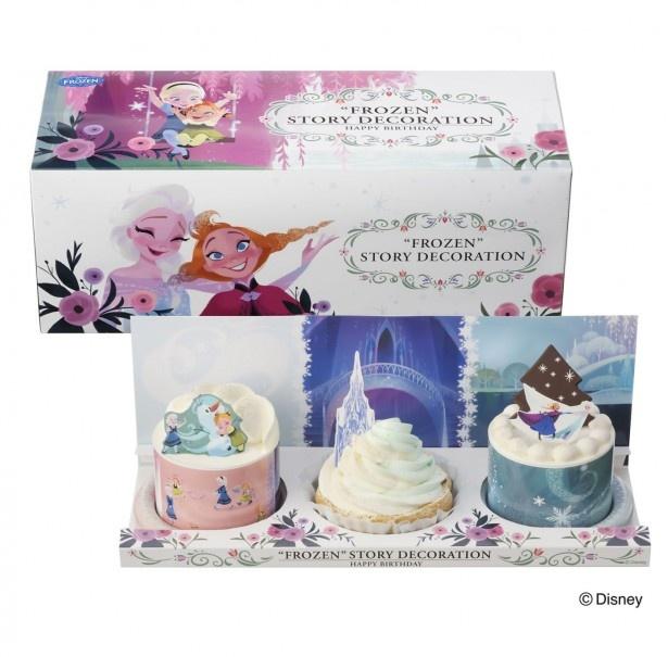 """パッケージにも""""アナ雪""""の魅力的なイラストが施され、おしゃれ!ギフトに最適な「""""アナと雪の女王""""ストーリーセット」(¥2160)"""