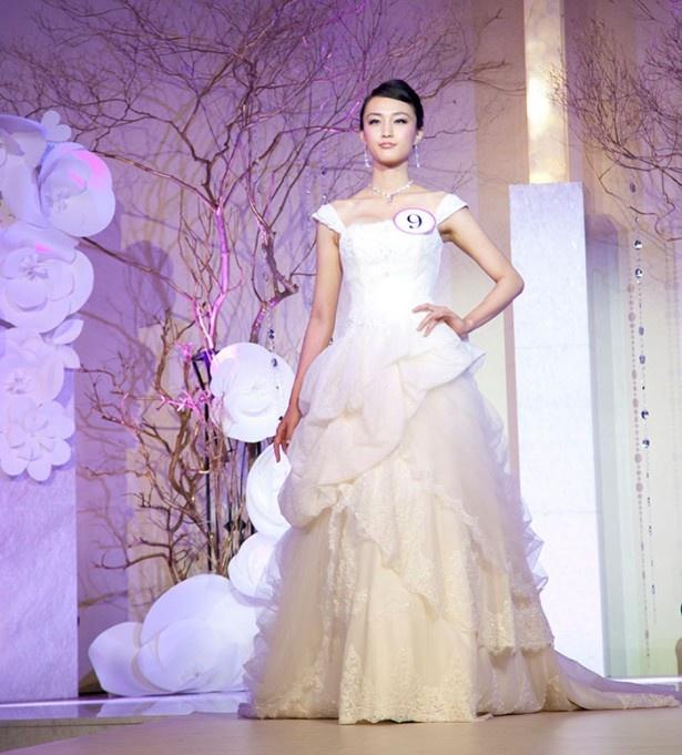 かわいらしさと美しさが混合するドレス(美里さん)