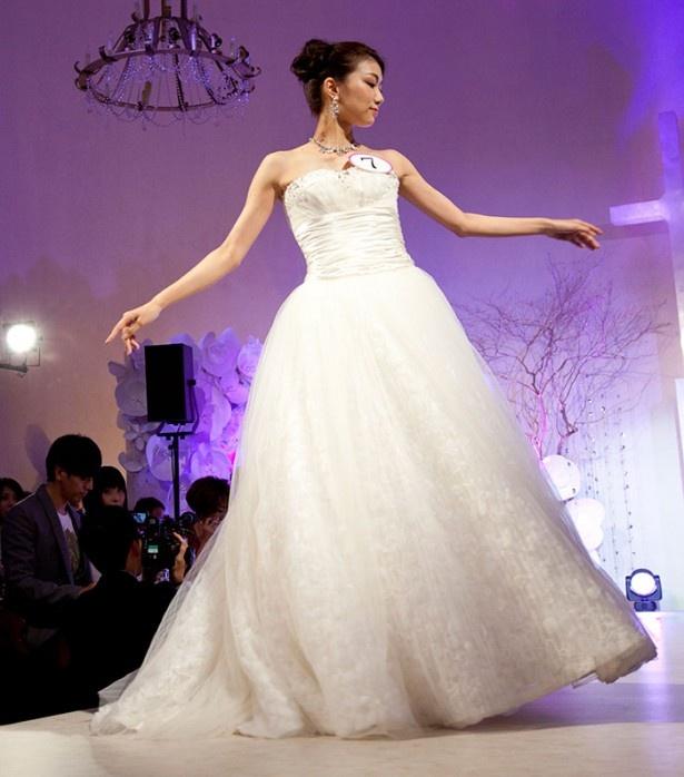 お姫様のようなふんわりドレス(細川碧里さん)