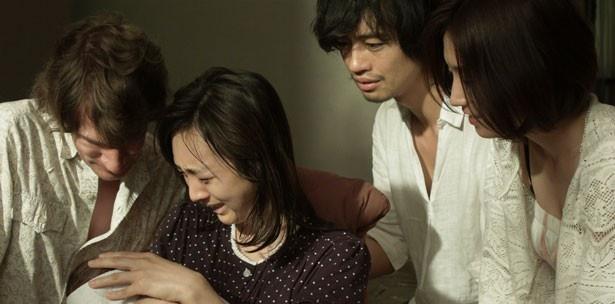 監督の杉野希妃が斎藤の妹役で出演