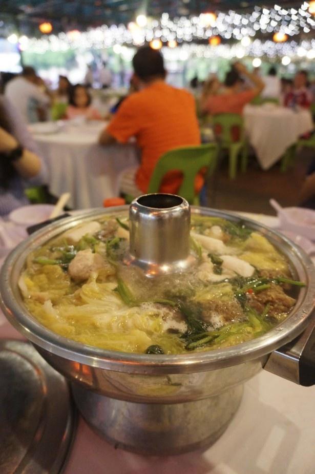 中国の客家料理の代表格と呼ばれるスチームボート。大勢での食事にぴったり!