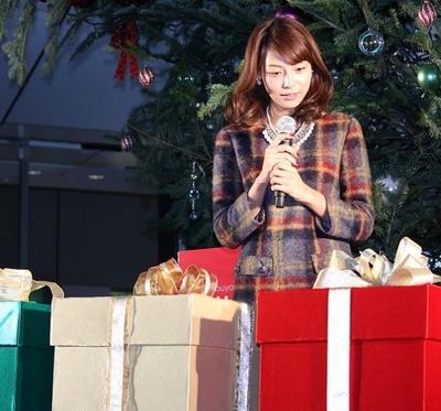 「働いている男性にプレゼントを贈るならネクタイやバッグやお財布など、身に付けてもらえるものがいいかな」と相武