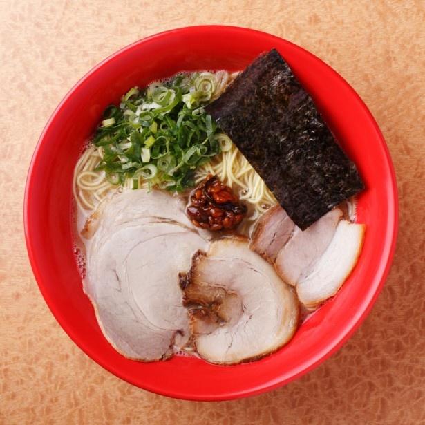 「本田商店×清陽軒×モヒカンらーめん」では、久留米の人気店3店のスープ、元ダシを共にブレンド。各店のチャーシューを1枚ずつをトッピングする