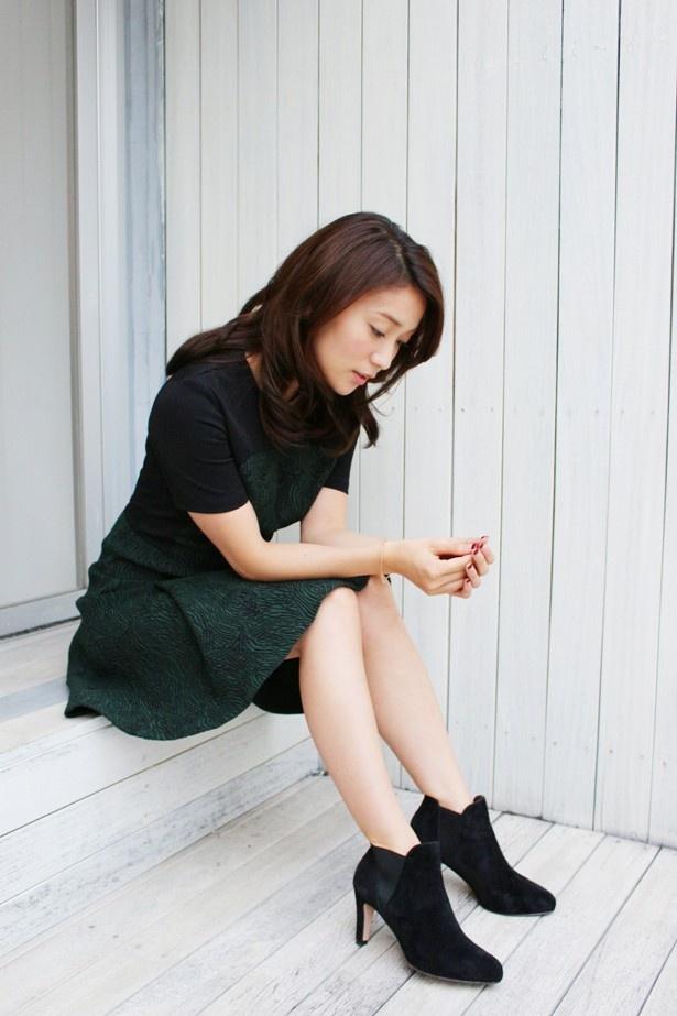 【写真を見る】取材中、チラリと覗かせた大島優子の物憂げな表情が大人っぽい!