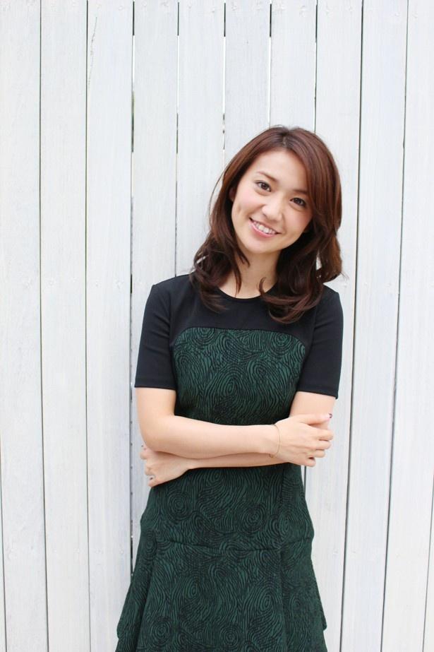 【写真を見る】エクボが可愛い!大島優子のニッコリ写真はこちら