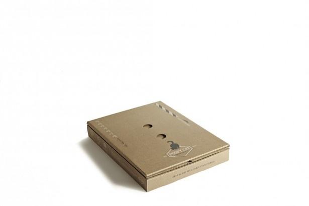 畳むと、横30×縦40×厚さ6cmというコンパクトさ