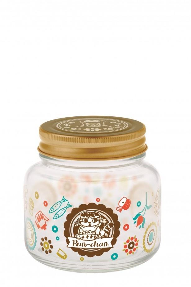 H賞「ガラス瓶」(高さ約9cm)。中央にどーんとブンちゃんをデザイン