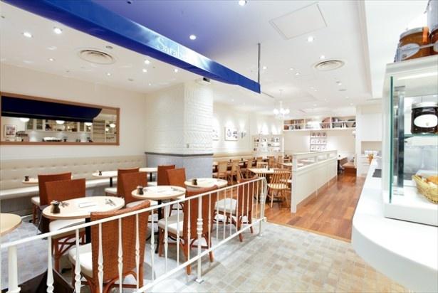 """サラベス ルミネ新宿店の内観。「サラベス」は""""NYの朝食の女王""""と評されている"""