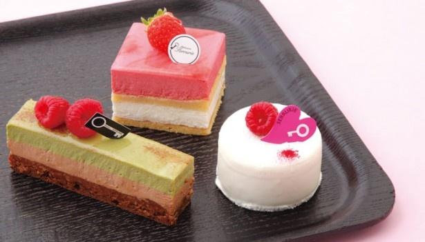 セリュリエの3品。 フロマージュ クリュ(右)¥400、ピスターシュ(左)¥411、フレーズココ(奥)¥432