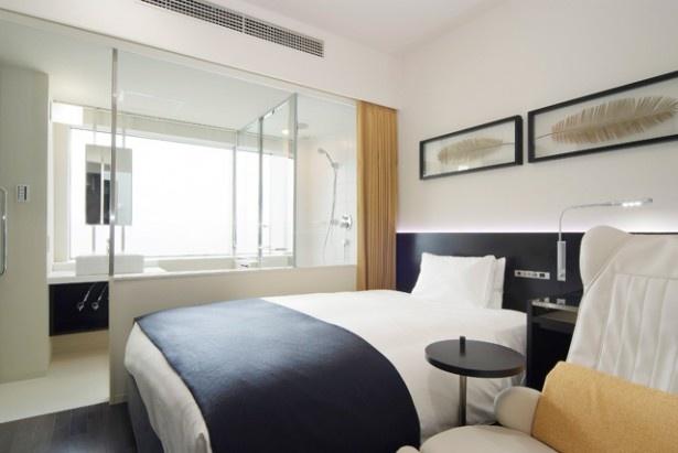 「レム」では各ホテルでカラースキームを設定。「秋葉原」はブランドカラーの白をベースに「エキサイティング・躍動」をイメージする赤をアクセントにした部屋がメイン