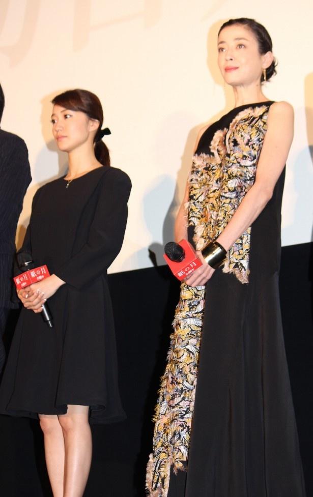 【写真を見る】ゴージャスなロングドレスで登場した宮沢りえと、黒のミニドレスで登場した大島優子