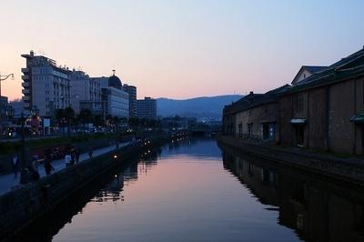 時間とともにさまざまな表情を見せる小樽運河