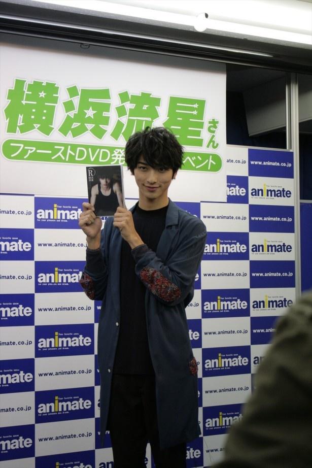 1st DVD「R」の発売記念イベントで笑顔を見せる横浜流星