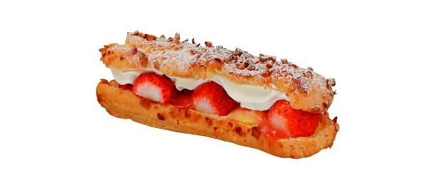 焼きたての味が味わえる「ジョトォ」初のエクレア「苺のエクレール」(441円) 銀座三越限定