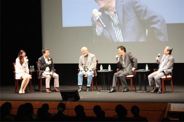 能村氏、三浦、綿引による笑いのたえないトークショー(右から)