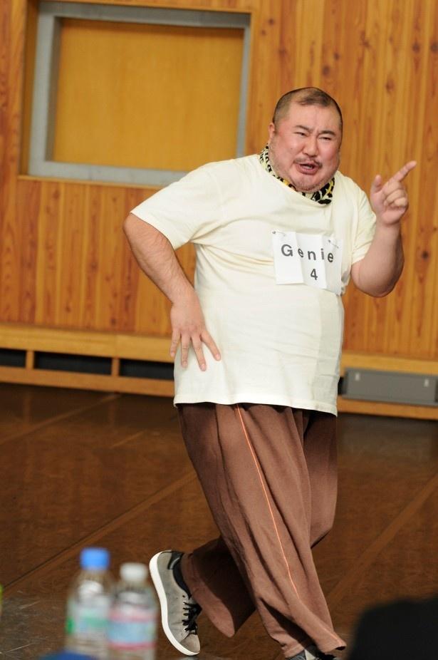 【写真を見る】劇団四季最新作「アラジン」のジーニー役を受験した芋洗坂係長