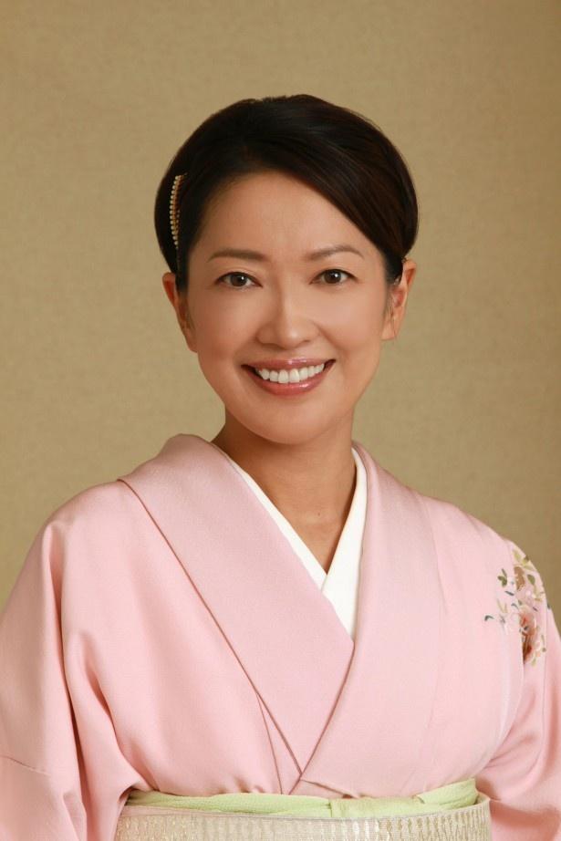 老舗旅館「かぐらや」のおかみで「金沢女将塾」を開講した神楽奈緒子役の羽田美智子