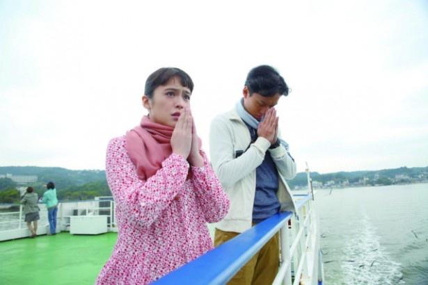 東日本大震災で傷ついたさまざまな人々のエピソードが展開される