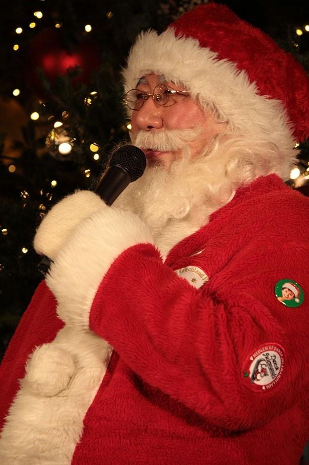 日本で唯一の公認サンタクロース、パラダイス山元はさすがの貫録!