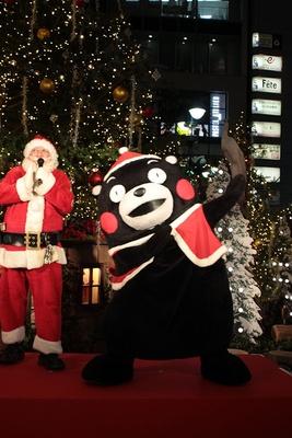 サンタクロース気分でくまモンは終始ご機嫌