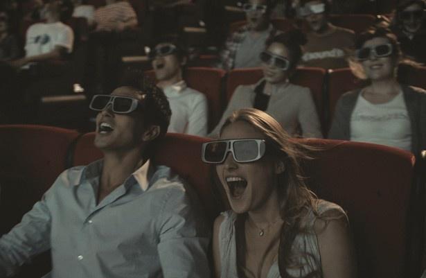 【写真を見る】今までにない映画体験!