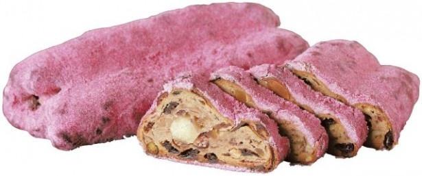 【写真を見る】フランボワーズの粉砂糖をまぶした「シュトレン・フォション」(税抜2500円)は、ピンク色がフォションらしい!