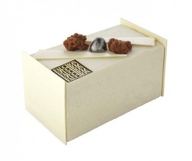 ホワイトチョコレートの濃厚な甘さに、キャラメルやバニラの風味が引き立つ「ブッシュ カラクティック」(税抜4000円)