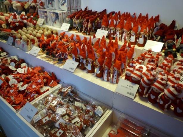 豊富にそろうクリスマスオーナメント※商品は掲載時のもの。在庫切れの可能性あり