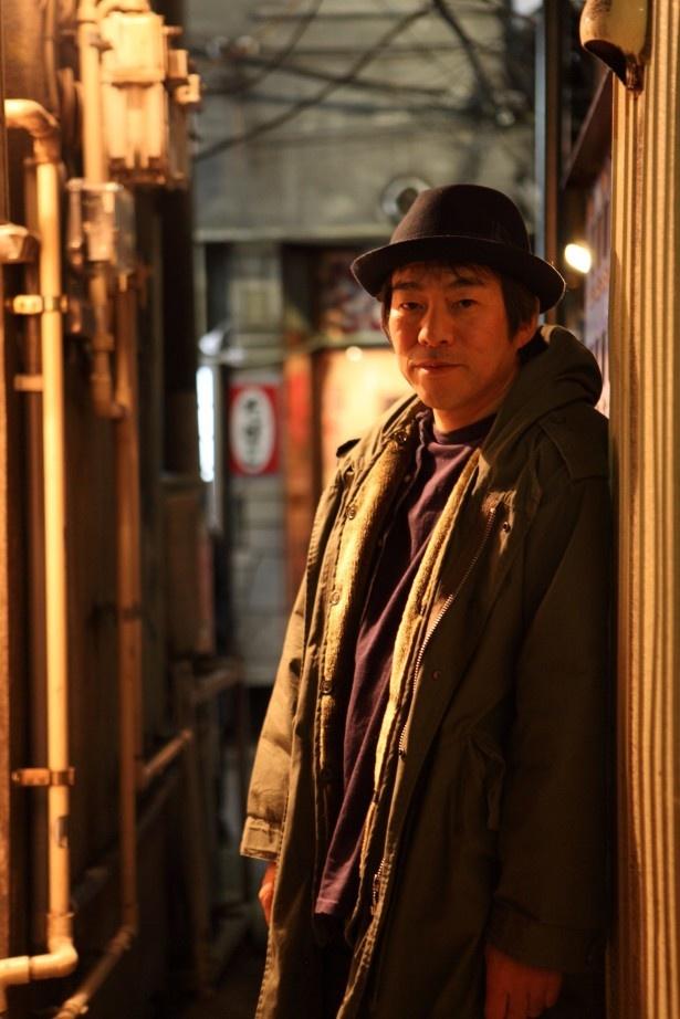 【写真を見る】「第65回 NHK紅白歌合戦」のPRソングの作詞を手掛けた大友良英