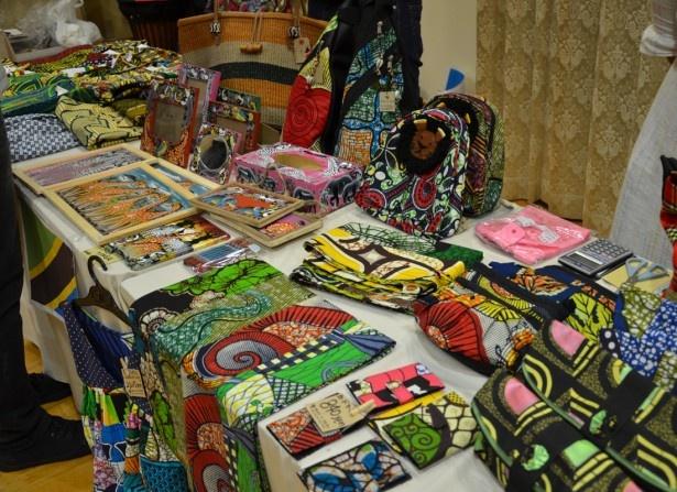 物販コーナーではアフリカ雑貨が買える(写真はプレイベントのもの)