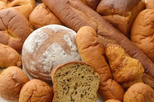 ふすまべーかりーは、「パン ド カンパーニュ」や「バゲット」(各802円)など国産ふすま粉を100%使用した「ふすまパン」が豊富にそろう