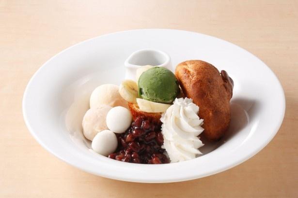 「抹茶とあずきのポップオーバー」(529円)は、バニラ・シナモン・宇治抹茶の3種類のアイスに、ゆであずきとホイップクリームを添え、黒蜜をかけた和風テイストなデザート