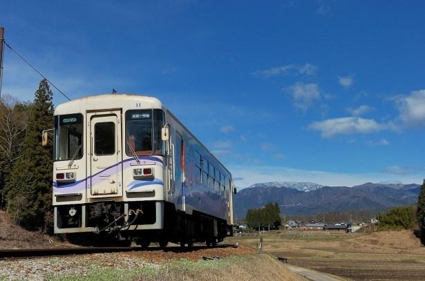 レトロな単線列車で、根強いファンも多い明知鉄道