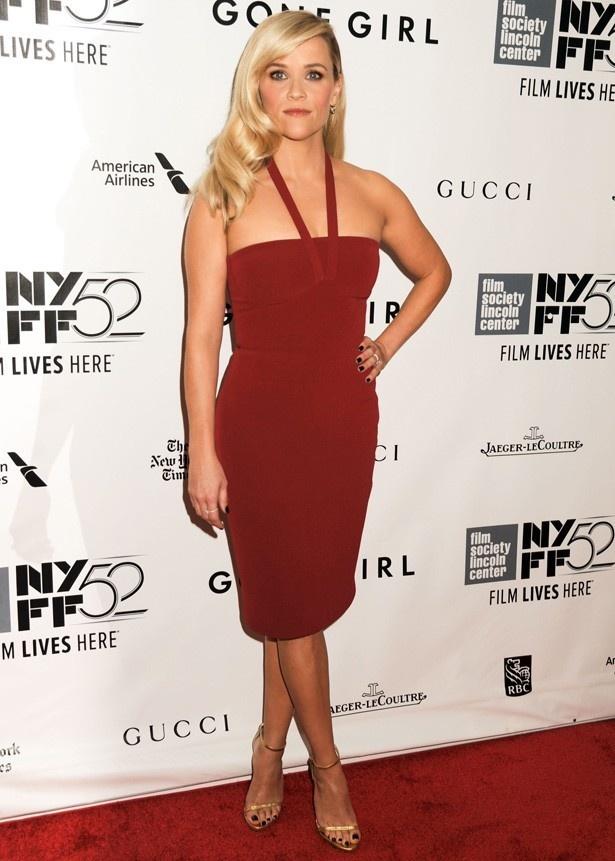 『ゴーン・ガール』レッドカーペットでは、出演していないのに真っ赤なドレスで現れ、ひんしゅくを買ったリース