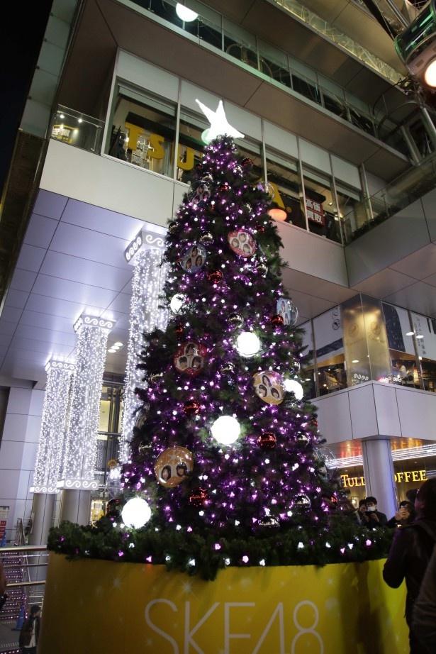 メンバーも来場者もひと足早くクリスマス気分を満喫