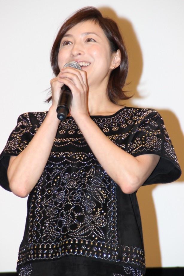 ポールダンサー、笠原ユウコ役の広末涼子