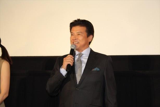 9年連続でアンケート「理想の有名人夫婦」1位に輝いた三浦友和