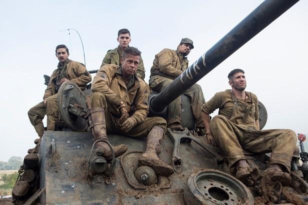 ウォーダディー率いる5人の米軍兵士たちは、たった1台の戦車で、300人ものドイツ軍相手に戦った