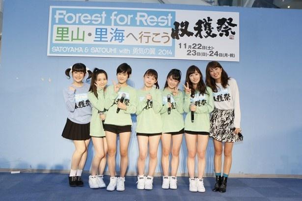 【写真を見る】'15年3月に無期限の活動休止が決定しているBerryz工房のももちこと嗣永桃子は、プレイングマネージャーとしてグループに参加する